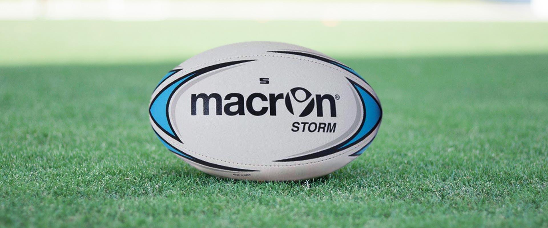 Una selezione di articoli sportivi per il Rugby
